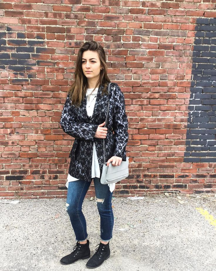Its always important to have layers during the transition of seasons! Come in for our spring shopping pop-up on select days (website in bio)! Bring a friendMeet a friendTell a friend   #fashion #fashiongram #allston #boston #somerville #brighton #massachusetts #summerfashion # #designerscircus #womensfashion #womensshoppingevent #popupshop #popup #fashiondesign #sale #savings #portlandmaine #guilfordconnecticut #bostonshopping #retailtherapy #dresses #designersclothes #skirts #pants #…