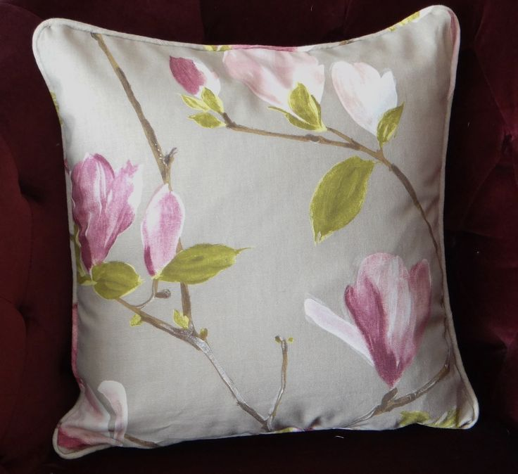 How to make a piped cushion with a zip