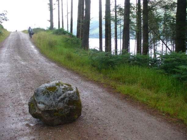 Ο βασιλιάς και ο βράχος: Μια διδακτική ιστορία
