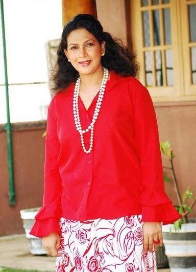 SRI LANKAN ACTRESS AND MODELS HOT LAND: Ruwanthi Mangala