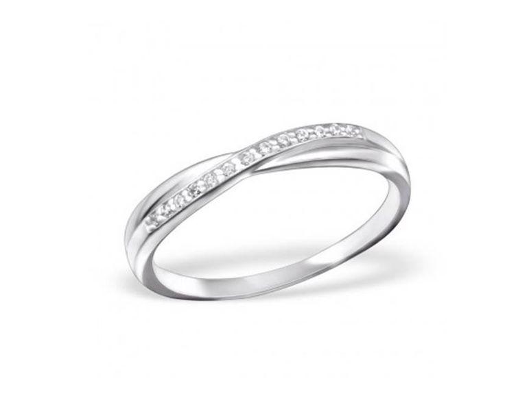 Din Nou In Stoc!! Rasfata-te cu 💎 Inelul Soul Argint 925 💎!   Pret special 🎁 99.2 lei 🎁 redus de la 124 de lei.  Comanda acum online 😘 https://www.bijuteriisiarta.ro/magazin/produs/inel-soul-argint-925 sau telefonic📱 0730799703  Inel cu aspect neted, frumos finisat sub forma de imbinare pe care sunt structurate 13 pietre de Zircon.  Ramai in tendinte cu acest model minimalist 😘  #Follow #Fashion #Beauty #Shopping #Happy #Popular