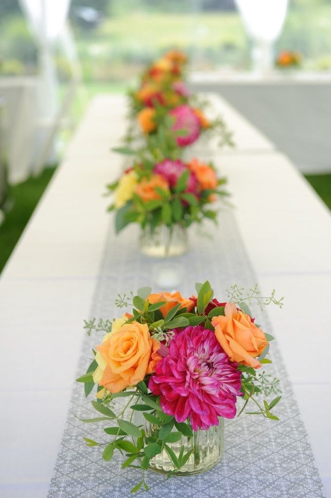 Discover 31 Lovely Summer Wedding Centerpieces Inspirations. Here We have gathered cute and lovely centerpieces inspirations.