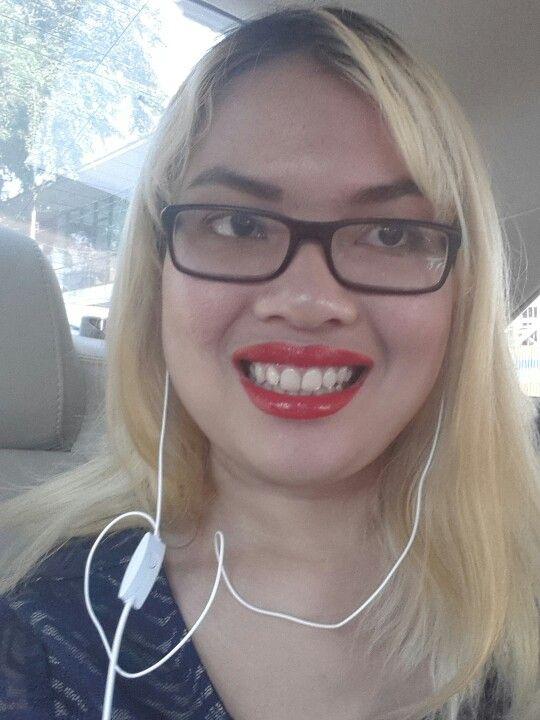 Got red lips? Pas des problèmes!!! #redforchange #caaarrr #nofilter