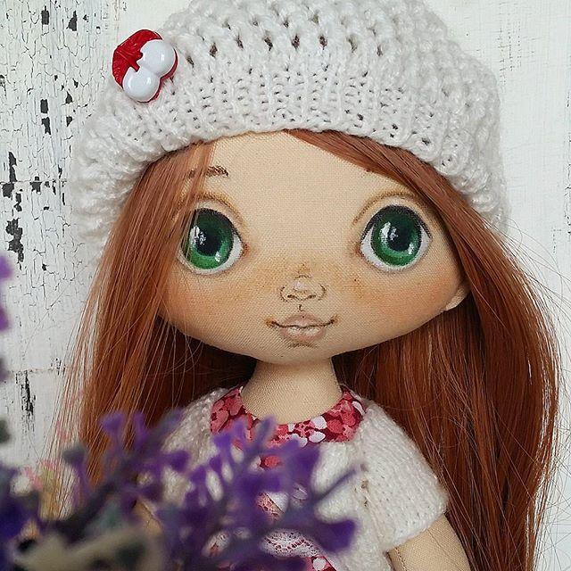 Кэти... нравится мне это сочетание глаз и волос. Милая добрая и нежная. Улетает в Швейцарию)) #torrytoys #doll #мастеркрафт #collectiondoll #куклаизткани #кукларучнойработы #лучшийподарок #девочкитакиедевочки #textildolls #createdoll #любимаякукла #doll