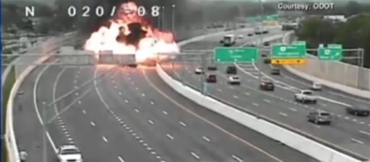 Wrong-way driver causes fatal explosion with oil tanker (video)