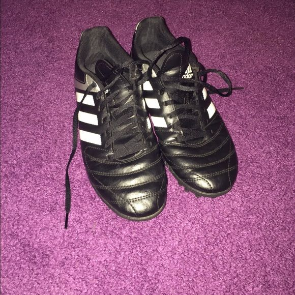 I grew out of them. Good condition adidas turf shoes size 7.5 men's. Great for field hockey, soccer and lacrosse. Adidas Shoes Athletic Shoes