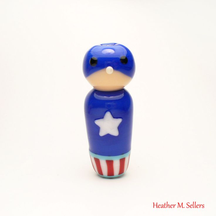 Captain America bead by Heather Sellers.  #heathersellers #captainamerica