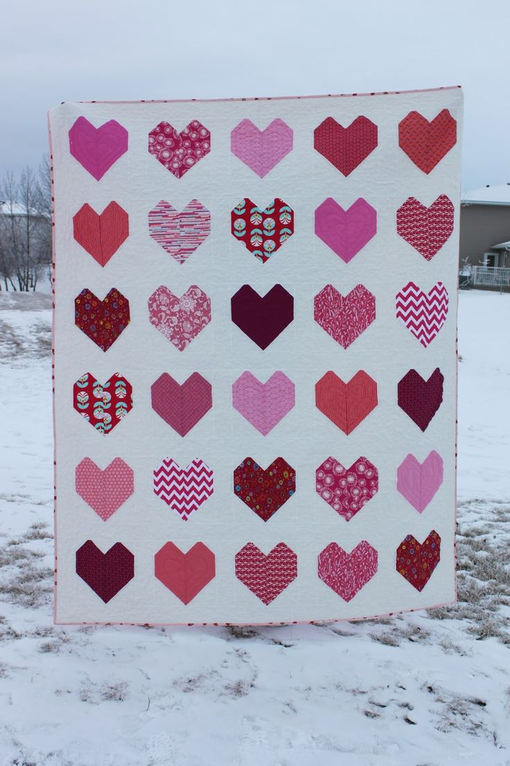 Twin size heart quilt - finished - by Daydreams of Quilts (Canada). For sale.