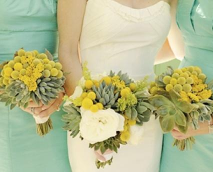 Mint & Geel bruidsboeket en bruidsmeisjes jurken