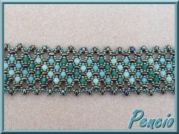 Twin bead and Swarvski bracelet. Free tutorial  http://pencio.chezblog.com/ #Beads #Bracelet #Seed #Crystal #Weave #DoubleHole #Teal