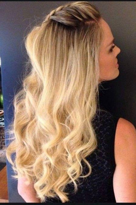 Letícia Birkheuer usa penteado que mescla topete, trança e cabelo ondulado. Lindo!