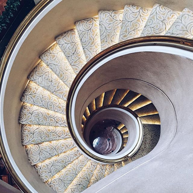 """""""""""In life, as in art, the beautiful moves in curves"""". Edward G. Bulwer-Lytton  Love me a #spiralstaircase and the #slimarc on the #lgg4  (especially if it stops me from cracking yet another screen ) #latergram #brigstravels #brigsdoessingapore #g4recommender"""" Photo taken by @brigadeirochoc on Instagram, pinned via the InstaPin iOS App! http://www.instapinapp.com (07/28/2015)"""