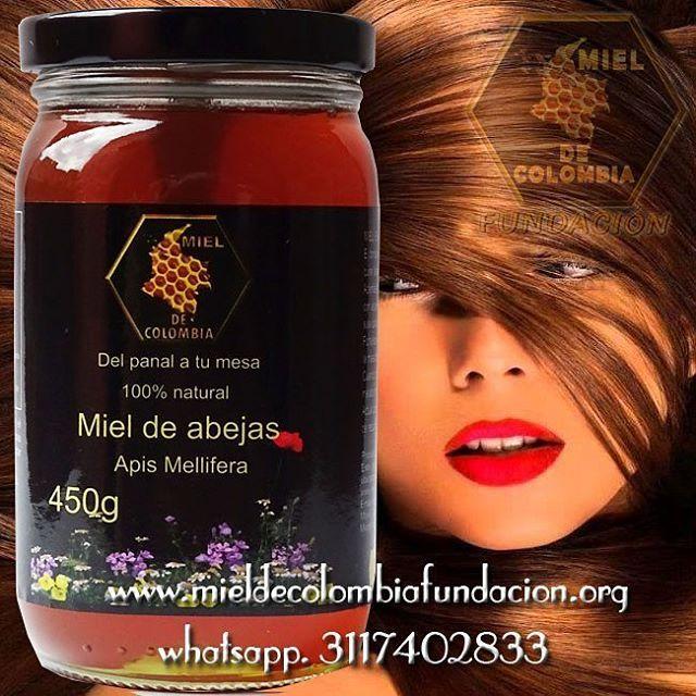 Cómo usar la miel para el cabello: Se debe aplicar la miel dejándola actuar alrededor de media hora, luego lavar el cabello como de costumbre. El tratamiento de miel para el cabello puede ser utilizado una o dos veces por semana hasta que el cabello recupere su brillo y suavidad, entonces basta con aplicar dos o tres veces al mes para mantener el cabello hidratado y nutrido.Tratamiento de miel para el cabello De acuerdo a cada tipo de problema capilar se debe mezclar la miel con otros…