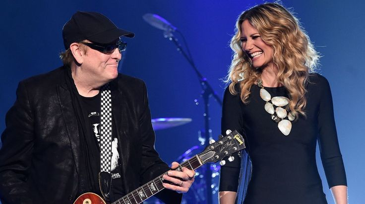 Jennifer Nettles Perform 'I Want You to Want Me' With Cheap Trick