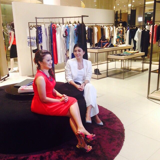 Claradevi Hariatmadja (@lucedaleco) and iROO Indonesia 2015 trend and personal style shooting to be aired on Kompas TV this December!