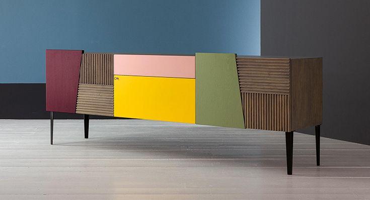 #Mobile contenitore moderno e creativo in cui pregiate ante di #legno massello a righe si alternano con quelle laccati a poro aperto, nei nuovi ricercati colori del campionario Devina Nais. #design #wood #sideboard