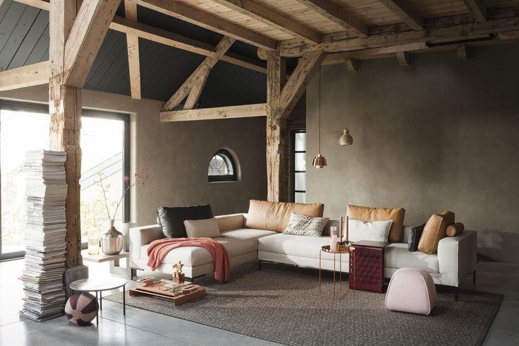 Aikon Lounge Sofa. Mooi sfeerbeeld van @designonstockus De meubelen en accessoieres zijn verkrijgbaar bij Gilsing Wonen in Zevenaar. http://www.gilsingwonen.nl/merken/designonstock