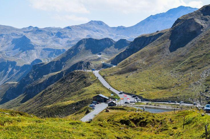 Fuscher Lacke und Mankeiwirt ... http://www.travelworldonline.de/traveller/hohe-tauern-mit-dem-auto-glockner-hochalpenstrasse/?utm_content=buffer9e0b9&utm_medium=social&utm_source=pinterest.com&utm_campaign=buffer ... #berge #mountains #alpen #alps #panoramastrasse