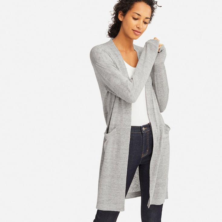 Relaxed open cardigan in a smooth linen-rayon blend!- Loose cut lets you layer your look, perfect for work to weekend wear.- Rayon blend adds a slight sheen and ensures cling-free comfort. Cardigan Azul, Long Cardigan, Longline Cardigan, Uniqlo, Long Sweaters, Cashmere Sweaters, Pullover Mode, Knitted Coat, Gifs