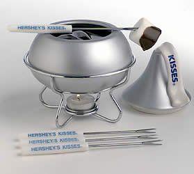 Hershey's Gold Kiss Dessert Fondue Maker - http://cookware.everythingreviews.net/7378/hersheys-gold-kiss-dessert-fondue-maker.html