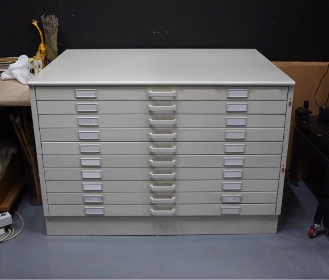 950€ (ALCORCÓN)Armario de papel (planero) 141x99cm