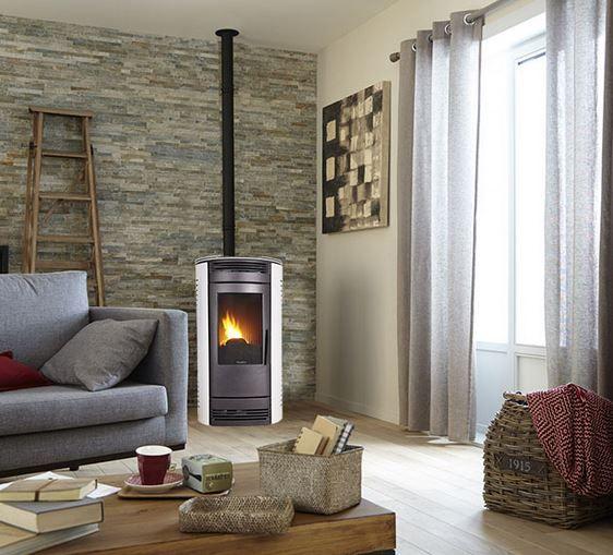 Las mejores estufas y chimeneas, un completo artículo que repasa las distintas ventajas e inconvenientes de chimeneas y estufas de todo tipo (pellets, etc)