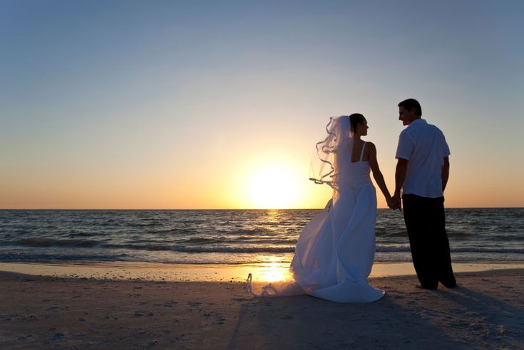 Learn how to get married on the beach in Carolina Beach, Kure Beach, or Fort Fisher on the coast in NC.