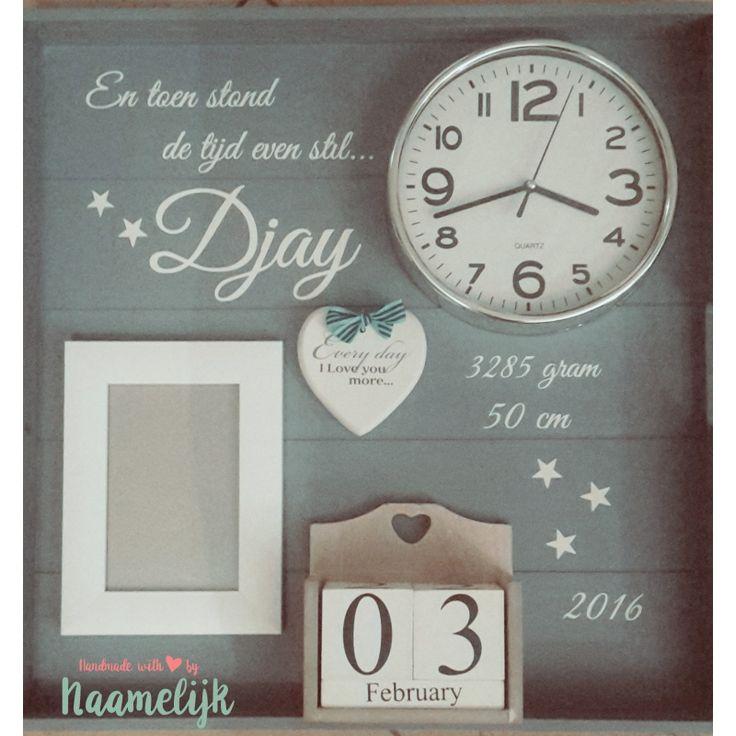 Stickers van naam, geboortedatum, tijd, gewicht en lengte  om zelf een geboortebord te maken. Heel origineel kraamcadeau!