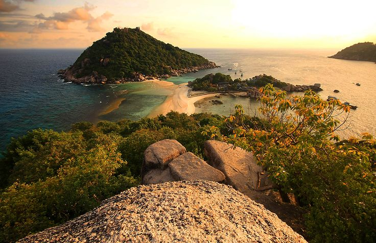 Interesting Facts About Thailand: Nang Yuan Island. Surat Thani, Thailand