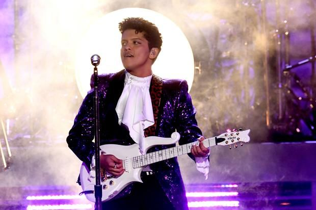 Bruno Mars Wants OutKast, Gucci Mane & Atlanta Hip-Hop Legends For 2019 Super Bowl Bruno Mars wants the NFL to pay respect to some legendary ATLiens. https://www.hotnewhiphop.com/bruno-mars-wants-outkast-gucci-mane-and-atlanta-hip-ho... http://drwong.live/article/bruno-mars-wants-outkast-gucci-mane-and-atlanta-hip-hop-legends-for-2019-super-bowl-news-43390-html/