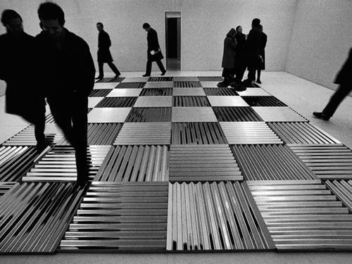 """Ugo Mulas. Mostra di Fotografia alla Triennale - Ugo Mulas presenta la mostra intitolata """"Dalle biennali a vitalit� del negativo"""".<..."""