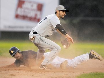 Baycats beat London - Kevin Atkinson was thrown out in to end the first inning trying to steal second. London second baseman Paul Lytwynec made the tag.