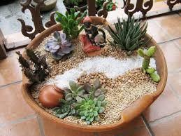 Resultado de imagem para miniaturas para mini jardins