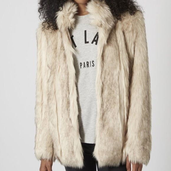 Awesome!   Topshop fur vest mid length sz 8 Oversized look gourg jacket what keeps you rather warm in the winter and a chic look. Side pockets and fully closes Topshop Jackets & Coats