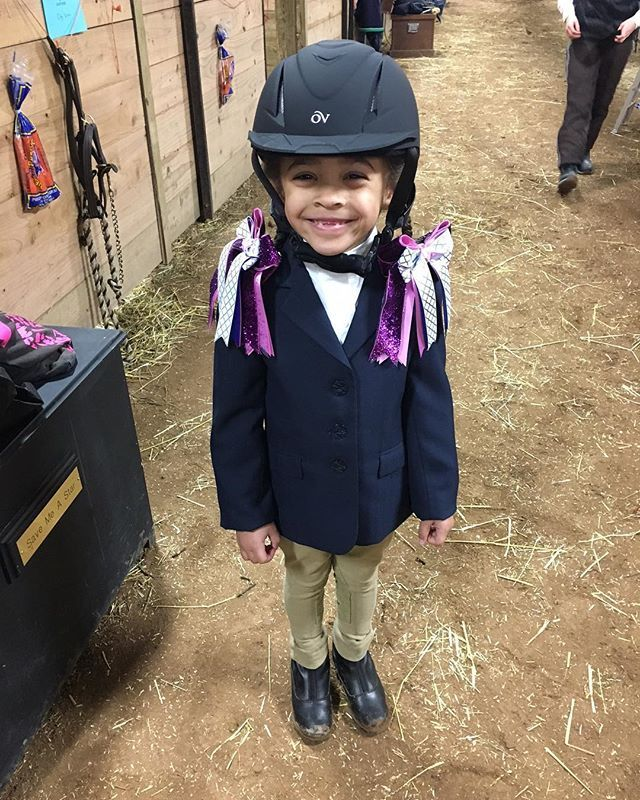 This darling photo, sent to me by one of my Show Moms, is how I started my day.  See why I say my Show Moms are the best in the world?  See why I say my Bowdangles Girls have the prettiest smiles?  See why I love making Bowdangles Horse Show Bows? Equestrian girls in Bowdangles Horse Show Bows, making the best memories possible.