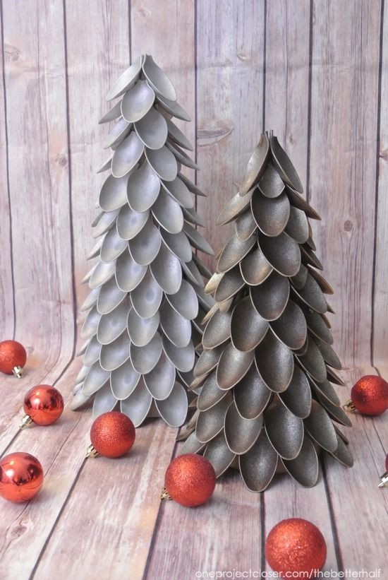 DIY Plastic Spoon Christmas Trees!