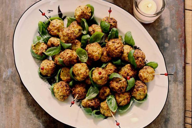 13 Januari - Kipgehakt + Prei in de bonus = Heerlijke kip-kalkoenballetjes voor bij een diner of borrel dit weekend! Recept - Allerhande
