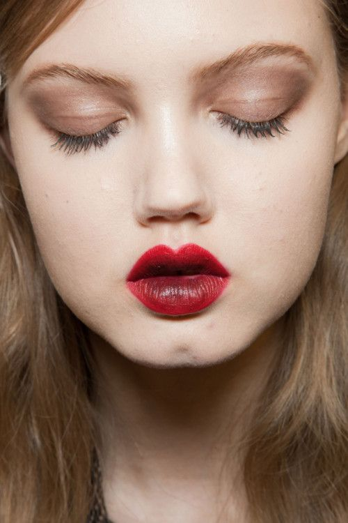 Lindsey Wixson backstage at Nina Ricci Fall 2012. Love the two-tone #lips and matte #eyes #makeup