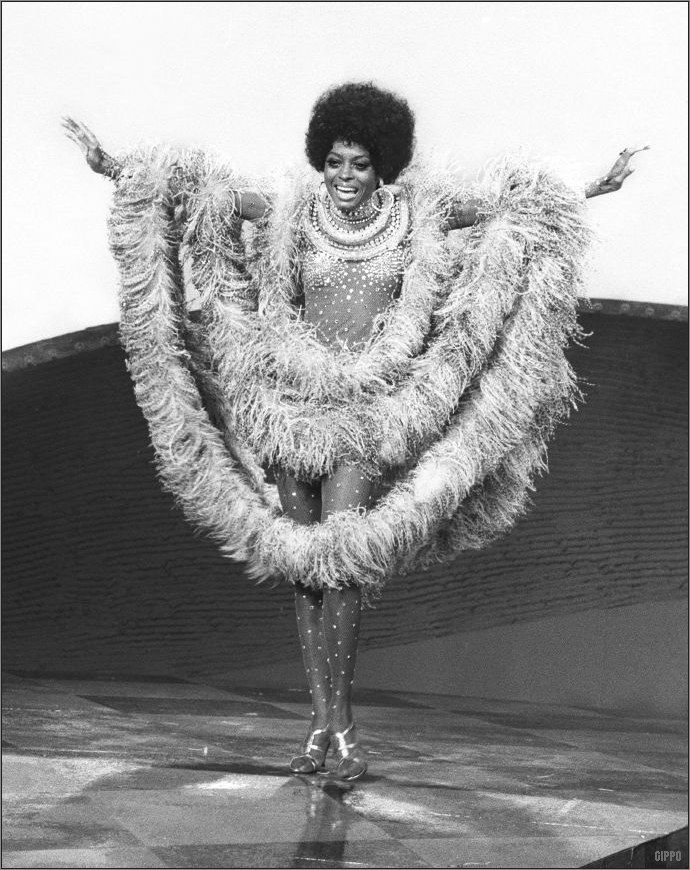 1970 Diana Ross • Years 70's vintage afro fashion soul music show girl