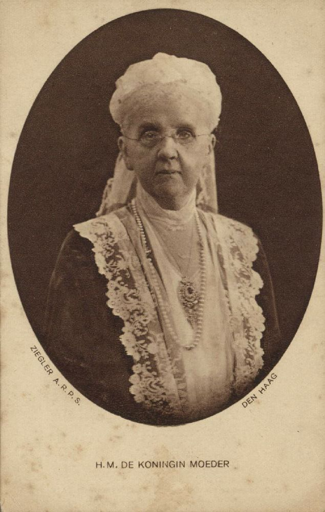 Queen Emma of Waldeck and Pyrmont and Queen Mother of The Netherlands 1910s.  She is another of my favorite royals, a young girl who married an old king and gave birth to a queen.