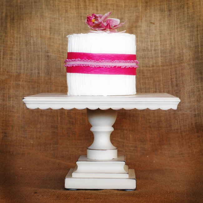 12\  Square Shabby Chic White Pedestal Antiqued Cake Stand & 61 best Cake bases images on Pinterest | Dessert tables Petit fours ...