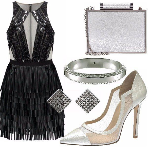Look appariscente, da sera ed elegante. Adatto per brillare come una stella, ti distingue da tutti gli outfit in un ristorante elegante, o locale chic.