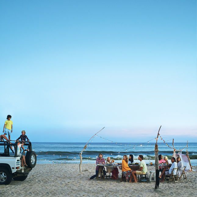 The best way to end a day at the beach? Dinner on the beach. We love some of these tips from Bon Appétit!