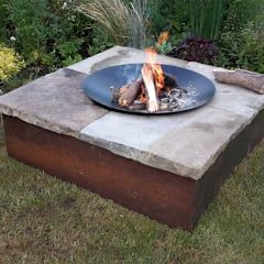 Table firepit: minimalistic Garden by Lithic Fire
