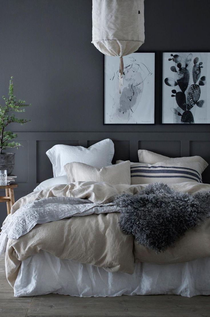 Sängkläder i linne, mjuka färger och detaljer i trä, betong och läder – så här skapar du sovrummet du aldrig kommer vilja lämna.