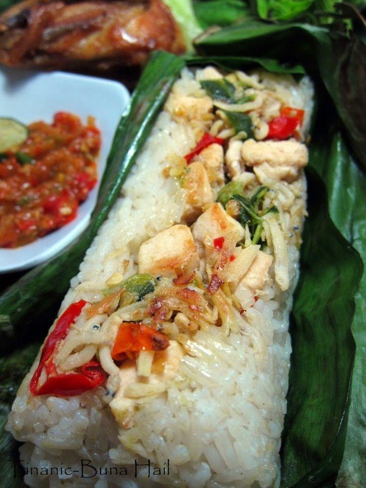 Dapurnya Buna Hail: Nasi Bakar plus Ayam Goreng