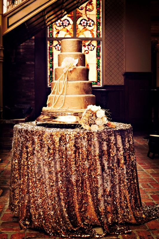 http://www.weddingomania.com/pictures/42-trendy-glittery-wedding-ideas-30.jpg