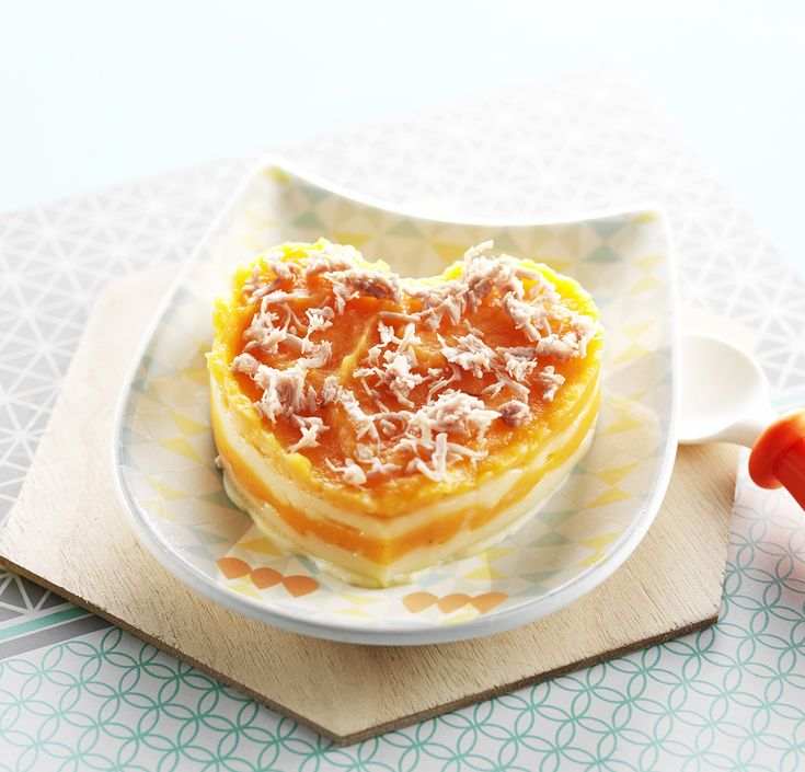 """Une recette pour dire """"Je t'aime"""" à Bébé le jour de la Saint-Valentin! Agneau sur un cœur de purée de carottes. Recette de printemps pour bébé dès 6 mois. #recettebébé #6mois #diversification #saintvalentin"""