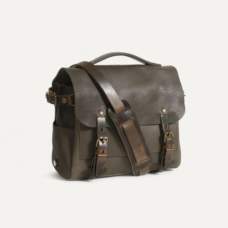 Eclair Postman bag   Leather satchel for Men and Women   Bleu de chauffe