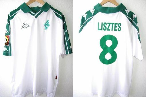 Saison: 2001/2002 Away  Typ: Fanshop  Spieler: Krisztian Lisztes  (100% Polyester)